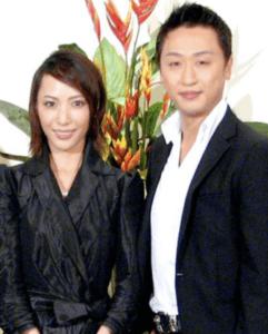 喜多村緑郎と嫁の貴城けい