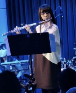 2020年1月に都内ライブハウスで演奏するCocomi