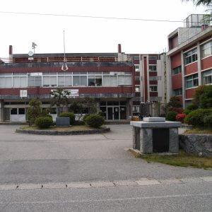平野歩夢の母校